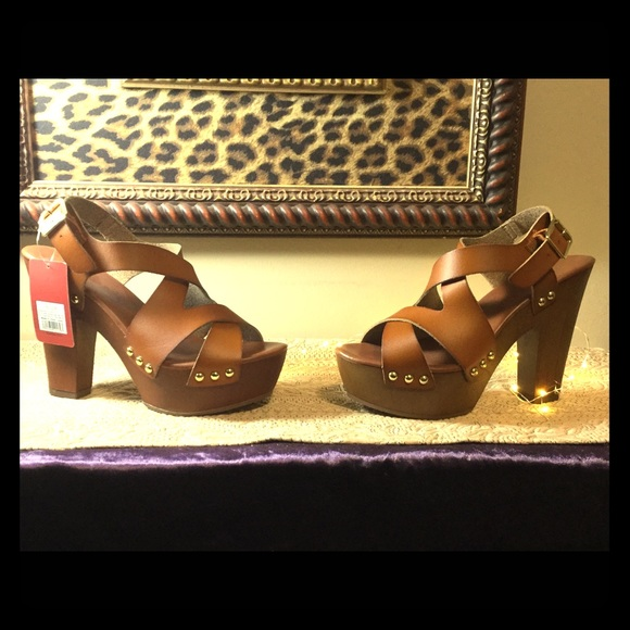 Mossimo Sheila Strappy Wooden Heel Sandal New Nwt